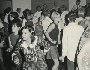 AC_dance_1967